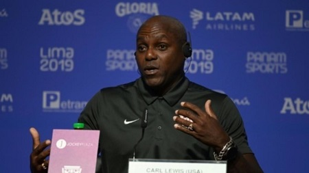 L'ancien champion olympique Carl Lewis offre une conférence de presse lors des Jeux panaméricains de Lima 2019 à Lima le 5 août 2019. AFP