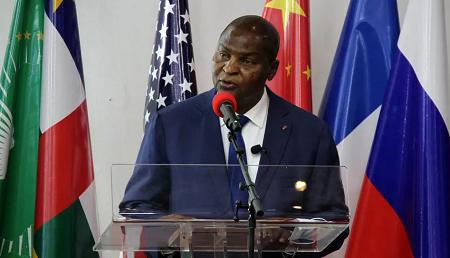 Le président Faustin Archange Touadéra, lors de la cérémonie de commémoration du deuxième anniversaire de l'APPR, au Palais de la renaissance à Bangui, le 6 février 2021. © Gaël Grilhot/RFI