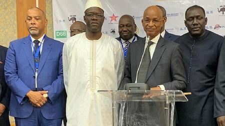 Des députés d'opposition en Guinée ont été empêchés samedi de quitter leur hôtel et de tenir un meeting contre le référendum constitutionnel