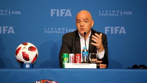 Le président de la FIFA, Gianni Infantino, lors d'une conférence de presse à Doha, au Qatar, en décembre 2018. REUTERS/Naseem Zeitoon/File Photo