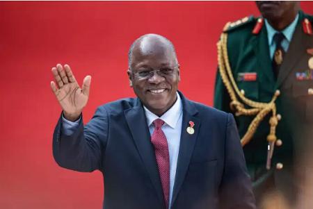 Le président tanzanien, John Magufuli, à Pretoria, en Afrique du Sud, le 25 mai 2019. MICHELE SPATARI / AFP