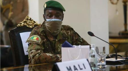 Assimi Goita, actuel président de la transition au Mali (ici lors du sommet de la Cédéao à Accra, en septembre 2020), consulte à tout va : il a reçu, mercredi 2 juin, la Coordination des mouvements de l'Azawad. © Nipah Dennis / AFP