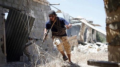 121 morts et près de 600 blessés dans les combats près de Tripoli