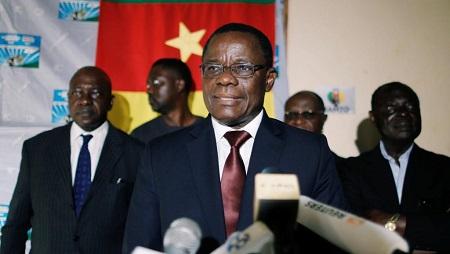 Maurice Kamto lors de la conférence de presse où il a revendiqué la victoire le 8 octobre 2018 à Yaoundé. © REUTERS/Zohra Bensemra