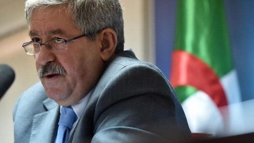 L'ancien Premier ministre Ahmed Ouyahia a été convoqué par la justice dans le cadre d'une enquête sur des soupçons de dilapidation de fonds publics. © RYAD KRAMDI / AFP