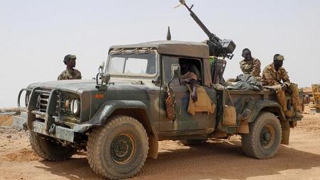 Patrouille de l'armée malienne à Anderamboukane, dans la région de Menaka, le 22 mars 2019. © Agnes COUDURIER / AFP