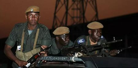 Des soldats zambiens en août 2007 à Lusaka. ALEXANDER JOE / AFP