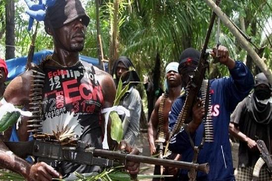 Des sécessionnistes seraient approvisionnés en armes par un Colonel de l'armée camerounaise