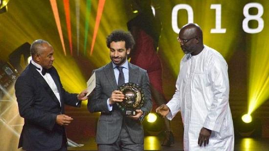 Mohamed Salah, 26 ans, remporte le prestigieux prix du footballeur africain de l'année à Dakar, au Sénégal