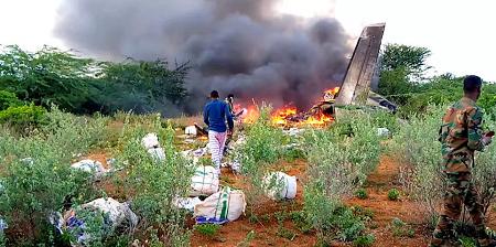 Le lieu du crash d'un avion près de Bardale, en Somalie, le 4 mai 2020. REUTERS