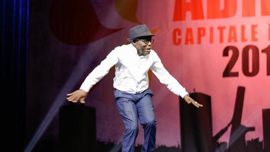 Michel Gohou a derrière lui 30 ans de carrière et enchaîne les tournages dans toute l'Afrique francophone. © Abidjan capitale du rire