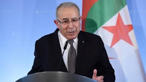 Ramtane Lamamra, nouveau vice-Premier ministre algérien, ici à Berlin le 9 mai 2017 comme ministre des Affaires étrangères. © TOBIAS SCHWARZ / AFP