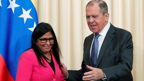 La vice-présidente du Venezuela Delcy Rodríguez et Sergueï Lavrov lors d'une conférence de presse commune le 1er mars 2019 à Moscou. REUTERS/Maxim Shemetov