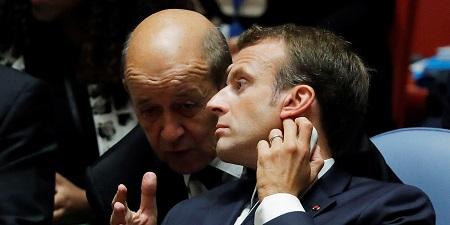 Le ministre des relations extérieur français, Jean-Yves Le Drian et le président Emmanuel Macron. Photo capture d'écran