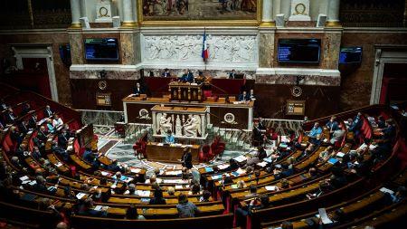 L'Assemblée nationale française, lors d'une session de questions au gouvernement, le 22 juin 2021. (XOSE BOUZAS / HANS LUCAS / AFP)