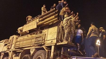 Le 20 mai, les troupes du gouvernement d'union national (GNA) ont défilé à Tripoli avec un système de défense aérien russe Pantsir qu'ils ont saisi -AFP