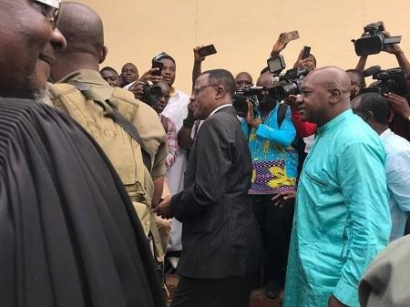 L'opposant Maurice Kamto à la sortie de prison ce samedi 5 octobre 2019