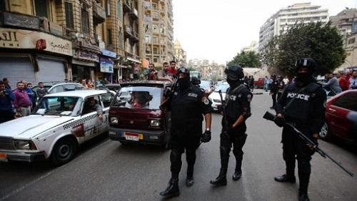 Plus de 300 enquêteurs et policiers ont participé à l'opération qui a permis l'arrestation de 71 suspects, dont 22 ont déjà été placés en garde à vue par le parquet (image d'illustration). © MOHAMED EL-SHAHED / AFP