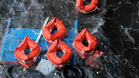 83 passagers ont réussi à rejoindre la côte à la nage après le naufrage de leur embarcation au large de la Mauritanie, le 4 décembre 2019. (Image d'illustration) © REUTERS/Mauro Buccarello