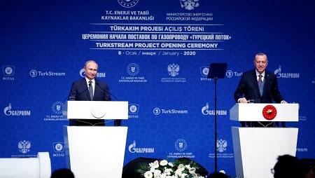 Le président russe s'est rendu en Turquie pour l'inauguration du gazoduc TurkStream le 8 janvier 2020. Dans une déclaration commune, Vladimir Poutine et Recep Tayyip Erdogan ont appelé à un cessez-le-feu en Libye. © REUTERS/Umit Bektas