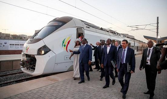 Le TER de Dakar transportera jusqu'à 115.000 voyageurs par jour.