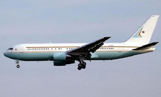L'avion de CamAir « Le Pélican », le Boeing 727-200 acquis par l'Etat camerounais en 1978