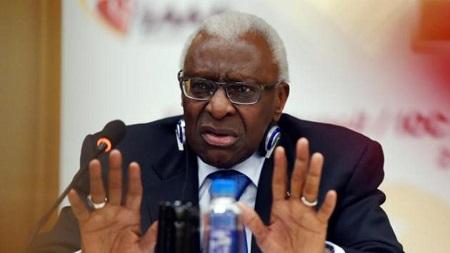 Lamine Diack, ancien président de la Fédération internationale d'athlétisme, ici en 2015. © AFP/Archives