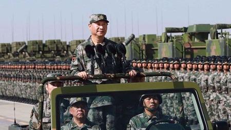 Le président chinois Xi Jinping a ordonné à ses troupes de se préparer à la guerre, le 13 octobre 2020. ©CNN