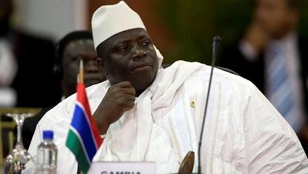 Yahya Jammeh en 2009. © REUTERS/Carlos Garcia Rawlins/Files