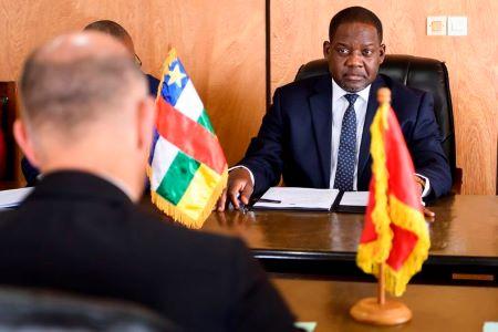 Firmin Ngrebada, le premier ministre de la République centrafricaine a remis sa démission et celle de son gouvernement jeudi 10 juin. ANTHONY ANEX/EPA