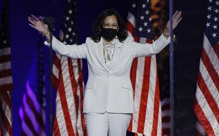 Kamala Harris, 56 ans, première noire et la première vice-présidente américano-indienne des États-Unis