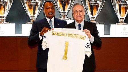 Denis Sassou-Nguesso, président de la République du Congo, a visité le Santiago Bernabéu où il a été accueilli par Florentino Pérez.