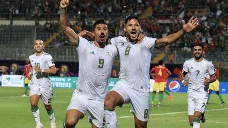Youcef Belaïli (n°8) a ouvert le score pour l'Algérie contre la Guinée. Pierre René-Worms/RFI