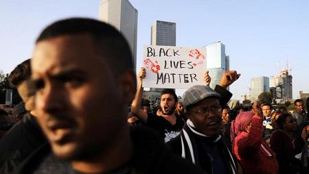 Le 30 janvier dernier à Tel Aviv, plusieurs centaines d'Israéliens d'origine éthiopienne manifestaient contre les brutalités policières après la mort d'un de leurs jeunes, Yehuda Biadga, âgé de 24 ans. Reuters