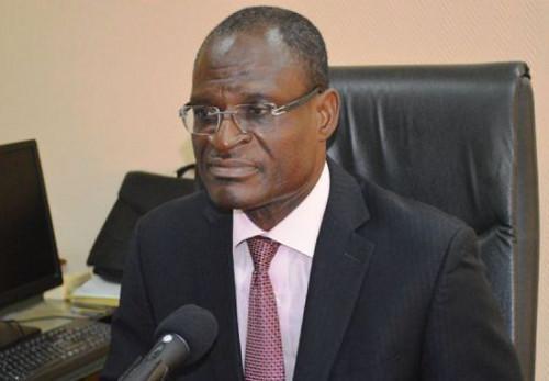Alain Olivier noël Mekulu Mvondo Akam , DG de la Caisse nationale de prévoyance sociale (CNPS)