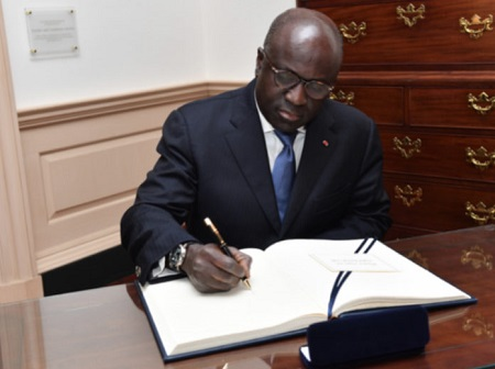 Marcel Amon Tanoh, 68 ans, ministre des affaires étrangères