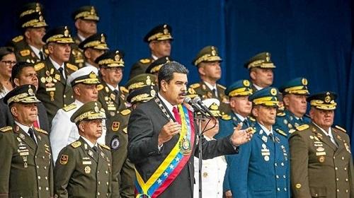 Nicolas Maduro prononçait un discours lors d'une parade militaire le 4 août 2018 quand deux drones sont arrivés. ©Le Télégramme