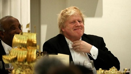 Le premier ministre britannique Boris Johnson a été accusé d'avoir tenu des propos «racistes et offensants» en laissant entendre que les Nigérians sont obsédés par l'argent