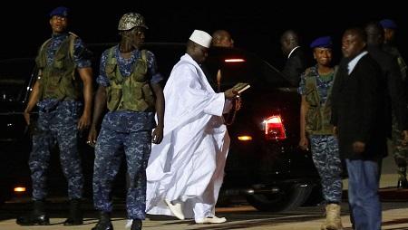 Yahya Jammeh lors de son départ de Gambie le 21 janvier 2017. © REUTERS/Thierry Goueg