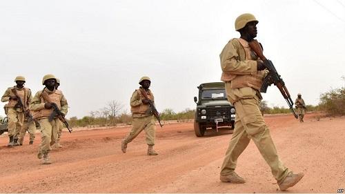 Sept compagnons d'armes sont tombés au cours de cette opération et neuf autres ont été blessés
