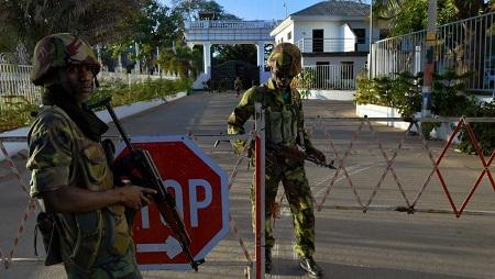 1000 soldats d'Ecomig seront présents en Gambie jusqu'en 2020. Cette mission avait été mise en place après l'impasse politique de 2017 et le refus de Yahya Jammeh de céder le pouvoir. © CARL DE SOUZA / AFP