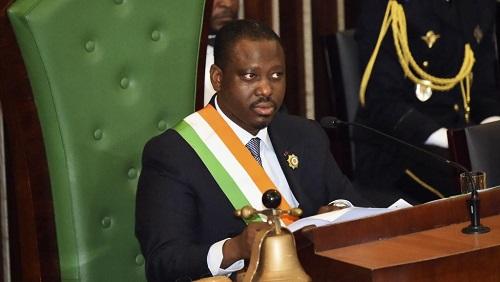 Le président de l'Assemblée nationale ivoirienne, Guillaume Soro, prononçant le discours de clôture de la seconde session plénière parlementaire à Abidjan, le 18 décembre 2015. © SIA KAMBOU / AFP