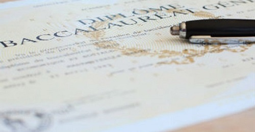 La Commission nationale d'évaluation des formations dispensées à l'étranger (CNE) a détecté 63 faux diplômes sur un total de 425 dossiers examinés au cours de ses travaux le 25 avril dernier