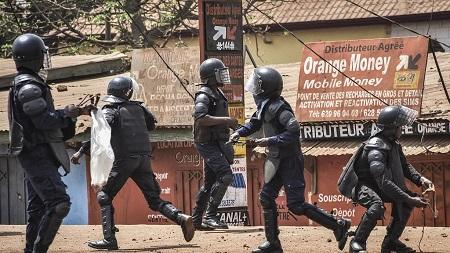 L'Union africaine a annoncé vendredi le rappel de sa mission d'observation en Guinée
