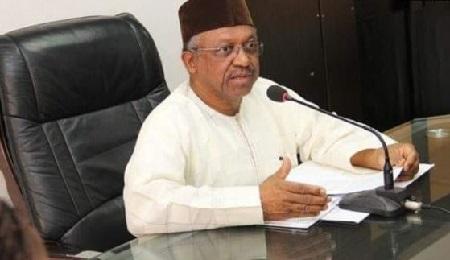 Osagie Ehanire, ministre nigérian de la Santé, lors d'une conférence de presse