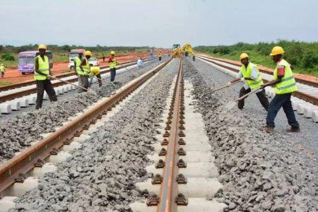 L'Ouganda prévoit d'investir 205 millions de dollars dans la réhabilitation d'une ancienne ligne de chemin de fer reliant la capitale Kampala à Malaba au Kenya