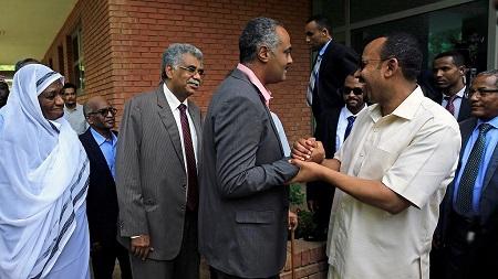 Une rencontre avec le Premier ministre éthiopien, venu vendredi à Khartoum pour tenter de résorber la crise avec les militaires au pouvoir