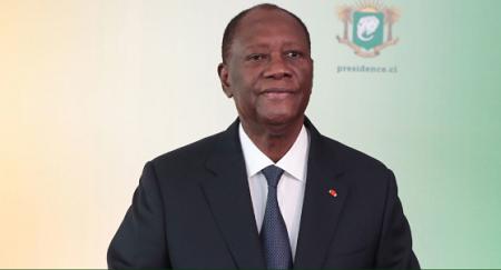 «Je suis candidat à l'élection présidentielle du 31 octobre», a annoncé Alassane Ouattara, à la veille du 60e anniversaire de l'indépendance de la Côte d'Ivoire