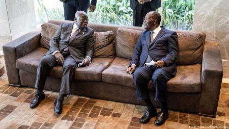 Alassane Ouattara et Nana Akufo-Addo lors de leur visite à Conakry