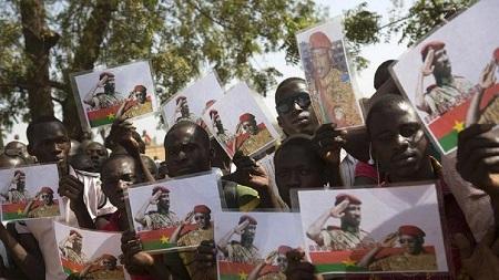 Des sympathisants de l'ex-président du Burkina Faso Thomas Sankara